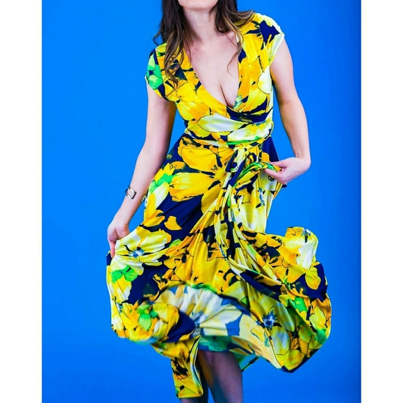ed2ae882372 Long elegant dress